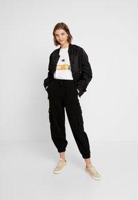 BDG Urban Outfitters - BAGGY RAFF TROUSER - Bukse - black - 2