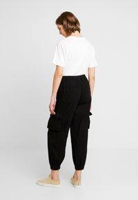 BDG Urban Outfitters - BAGGY RAFF TROUSER - Bukse - black - 3