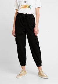 BDG Urban Outfitters - BAGGY RAFF TROUSER - Bukse - black - 0