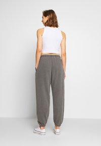 BDG Urban Outfitters - Tracksuit bottoms - charcoal - 2