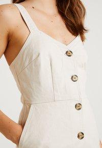 BDG Urban Outfitters - BELLA DRESS WAS AMELIA - Dongerikjole - ecru - 5