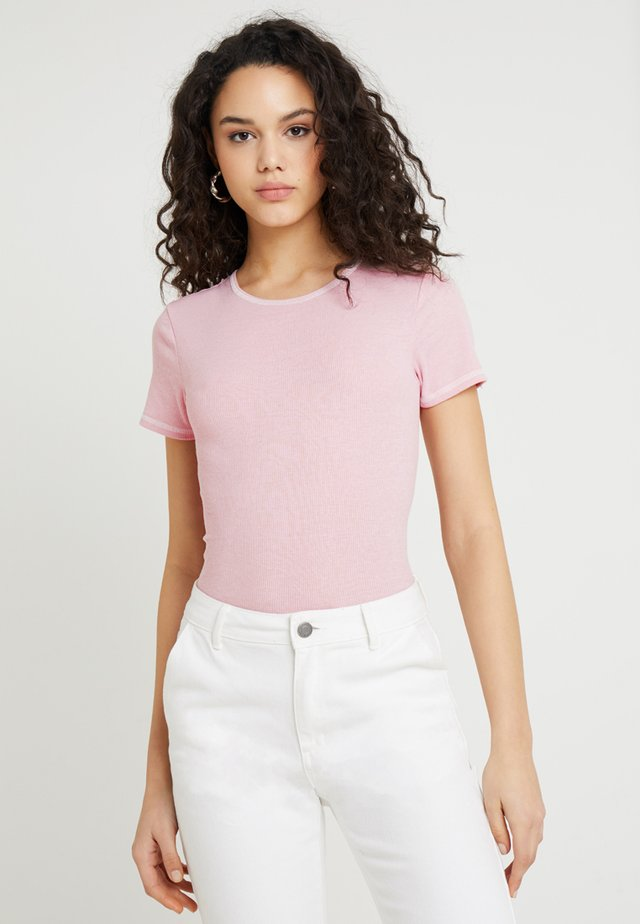 CONTRAST STITCH TEE - T-Shirt basic - candy pink