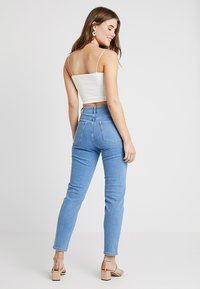 BDG Urban Outfitters - HARRIET STRAIGHT NECK CAMI - Top - white - 2