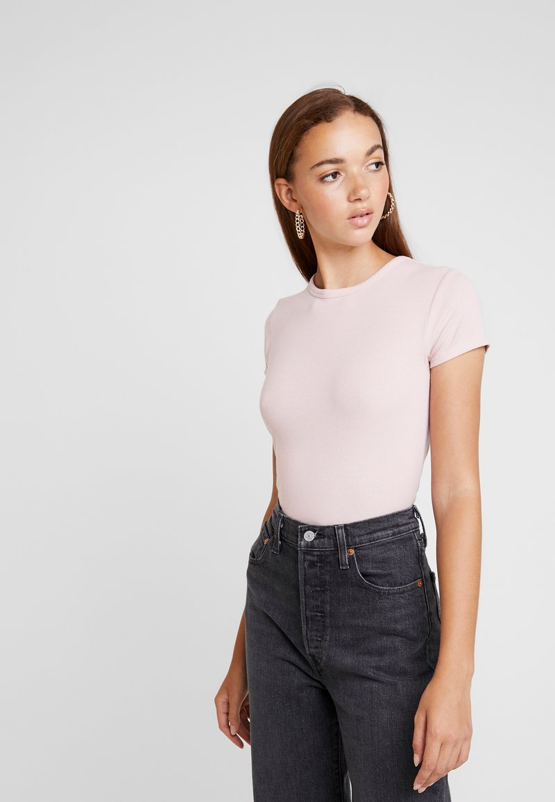 BDG Urban Outfitters - BABY TEE - Print T-shirt - pink