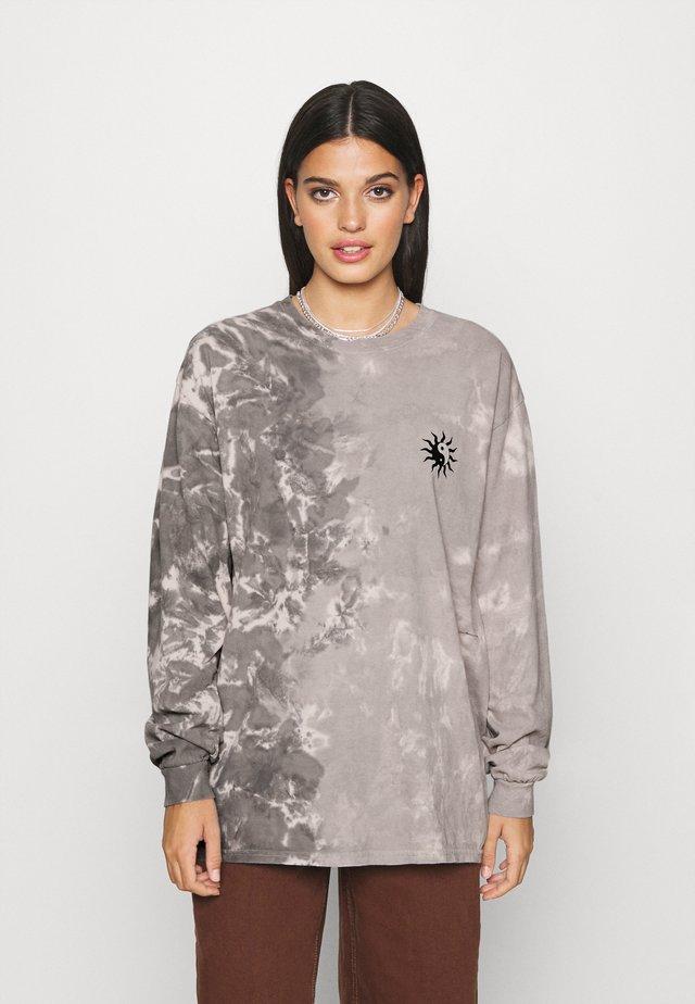 TIE DYE SKATE TEE - Långärmad tröja - grey