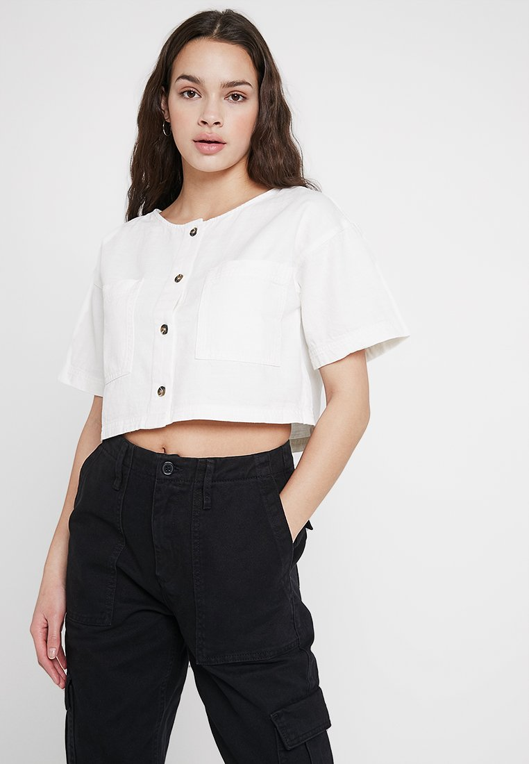 BDG Urban Outfitters - LEO CROP - Bluse - ivory