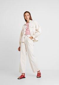 BDG Urban Outfitters - CONTRAST STITCH POET - Overhemdblouse - ecru - 1