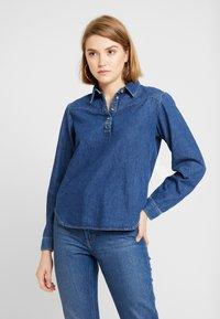 BDG Urban Outfitters - DRIVER WESTERN - Overhemdblouse - rinsed denim - 0