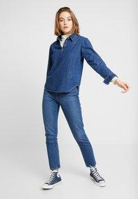 BDG Urban Outfitters - DRIVER WESTERN - Overhemdblouse - rinsed denim - 1