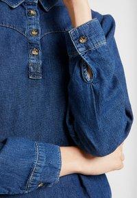 BDG Urban Outfitters - DRIVER WESTERN - Overhemdblouse - rinsed denim - 5