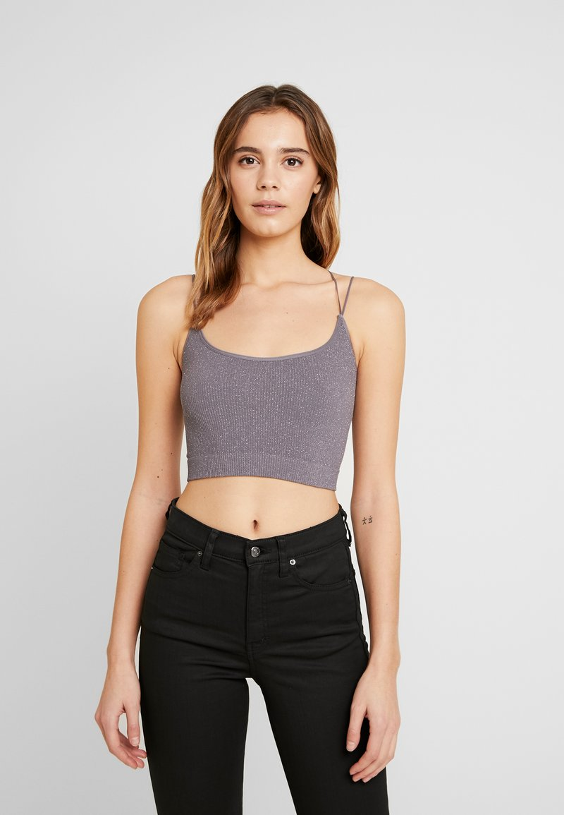 BDG Urban Outfitters - GLITTER STRAPPY BACK CAMI - Top - glittery silver