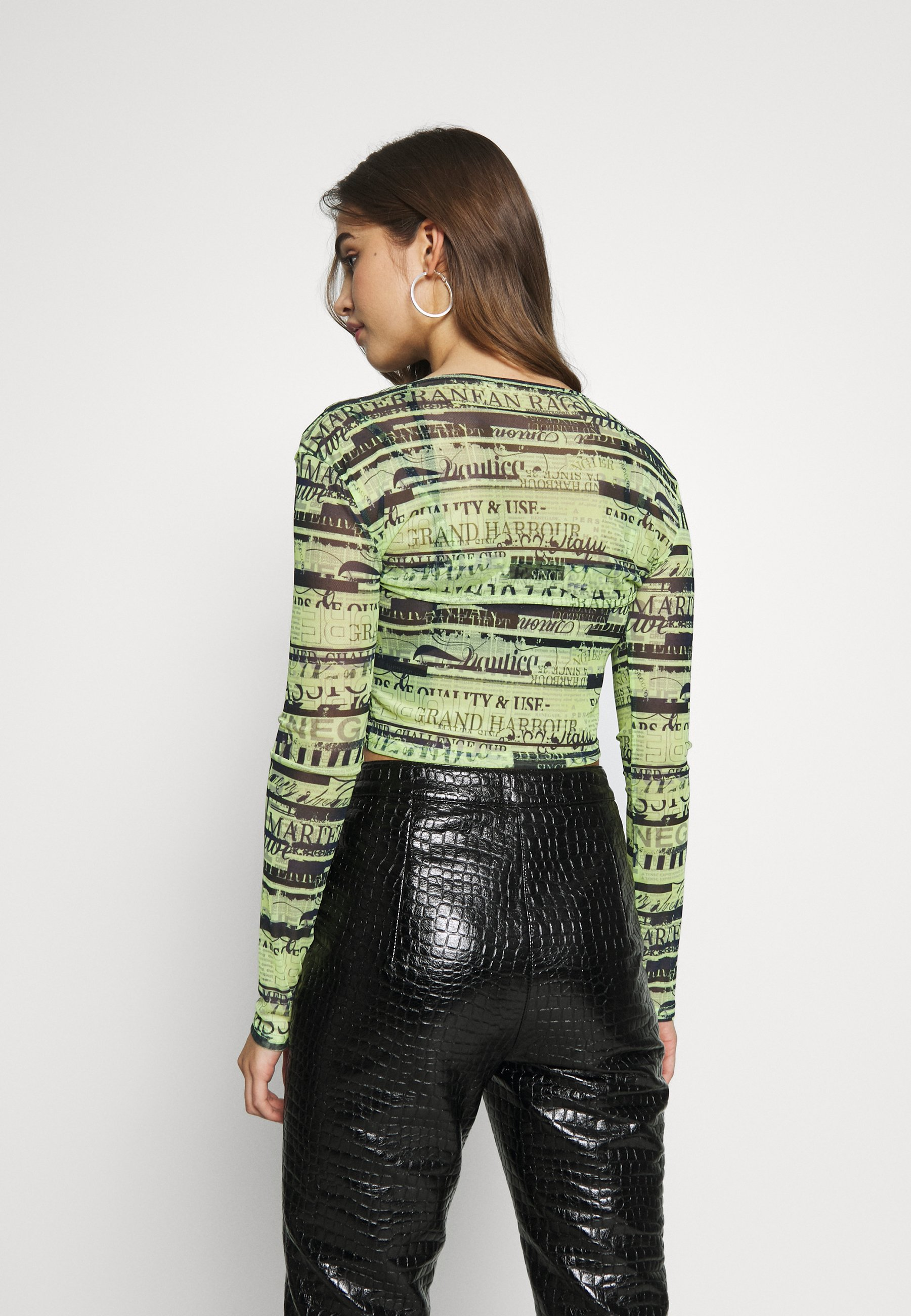 BDG Urban Outfitters DOUBLE LAYER - Bluzka - green flourescent