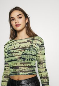 BDG Urban Outfitters - DOUBLE LAYER - Blouse - green flourescent - 3
