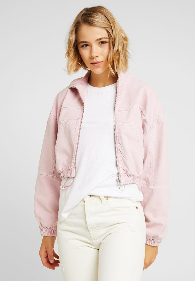 BDG Urban Outfitters - HOODED CROP JACKET - Jeansjacke - pink