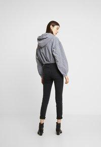 BDG Urban Outfitters - HOODED CROP - Kurtka wiosenna - grey - 2