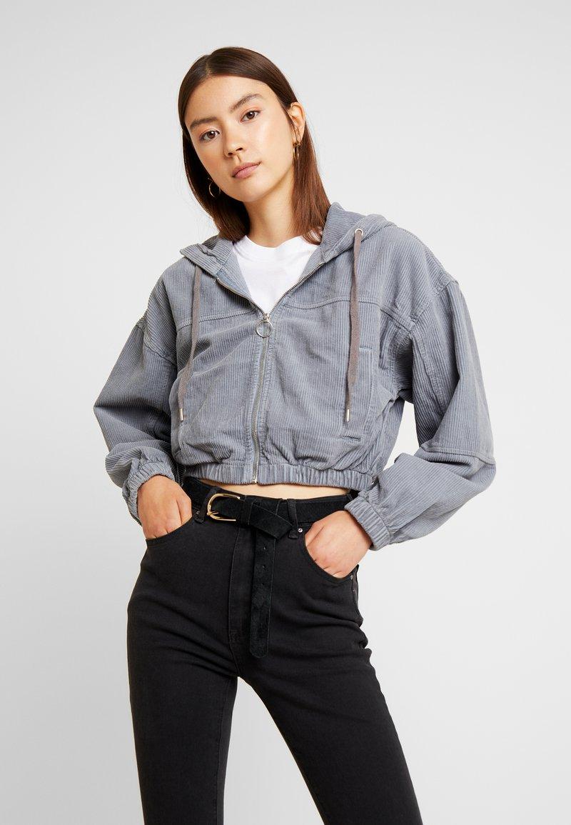 BDG Urban Outfitters - HOODED CROP - Kurtka wiosenna - grey