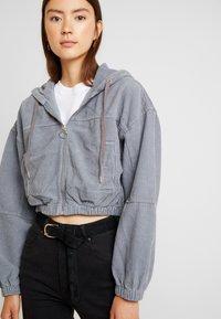 BDG Urban Outfitters - HOODED CROP - Kurtka wiosenna - grey - 5
