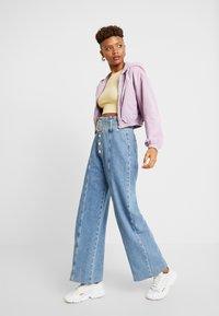 BDG Urban Outfitters - HOODED CROP - Veste légère - lilac - 1