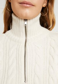 BDG Urban Outfitters - CABLE ZIP - Jumper - ecru - 5
