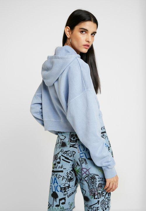 dobra jakość BDG Urban Outfitters CROPPED SLOUCHY HOODIE - Bluza z kapturem - dusty blue Odzież Damska SOKK-BF2