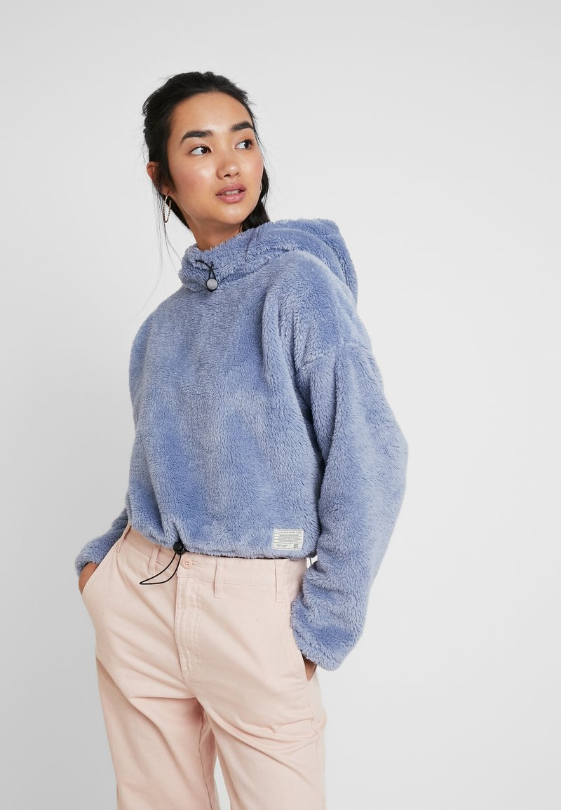 BDG Urban Outfitters - FLUFFY CROP - Mikina - light blue