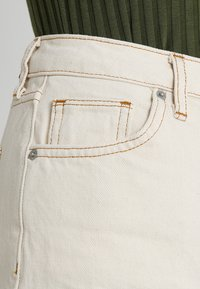 BDG Urban Outfitters - PAX - Jeans Tapered Fit - ivory - 5