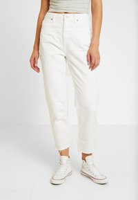 BDG Urban Outfitters - PAX - Jeans Tapered Fit - white - 2