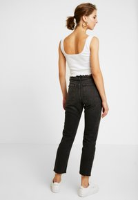 BDG Urban Outfitters - DILLON  - Slim fit jeans - black - 2