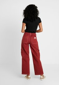 BDG Urban Outfitters - CONTRAST SKATE - Jeansy Relaxed Fit - brick - 2