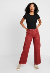 BDG Urban Outfitters - CONTRAST SKATE - Jeansy Relaxed Fit - brick - 1