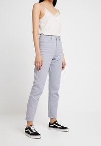 BDG Urban Outfitters - MOM - Jeansy Relaxed Fit - chambray blue - 0