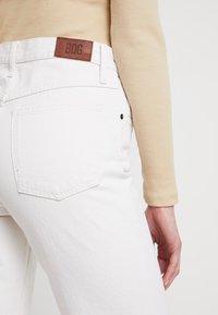 BDG Urban Outfitters - COLUMN - Straight leg -farkut - ecru - 3