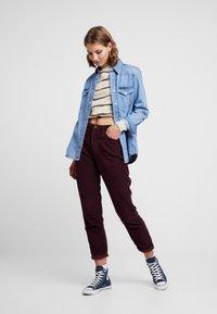 BDG Urban Outfitters - MOM - Broek - plum - 1