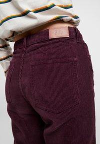 BDG Urban Outfitters - MOM - Broek - plum - 3