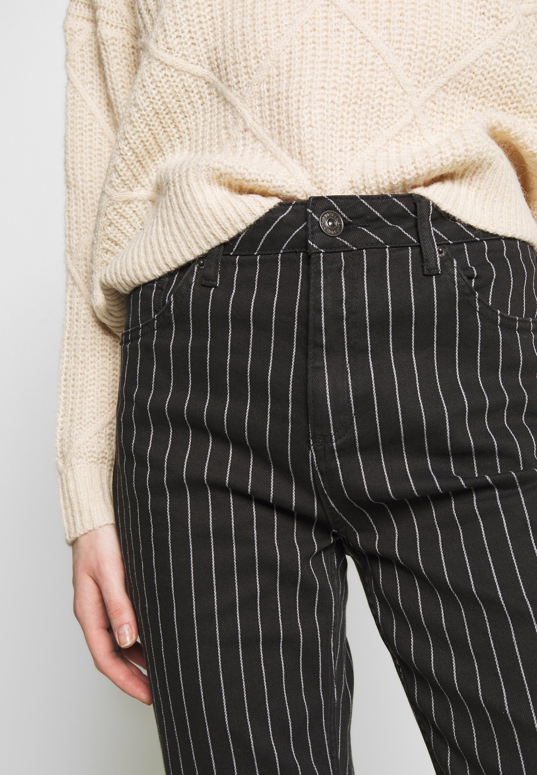 BDG Urban Outfitters MOM JEAN - Relaxed fit jeans - pinstripe