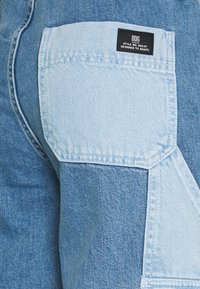 BDG Urban Outfitters - SKATE PATCHWORK - Relaxed fit jeans - blue - 2