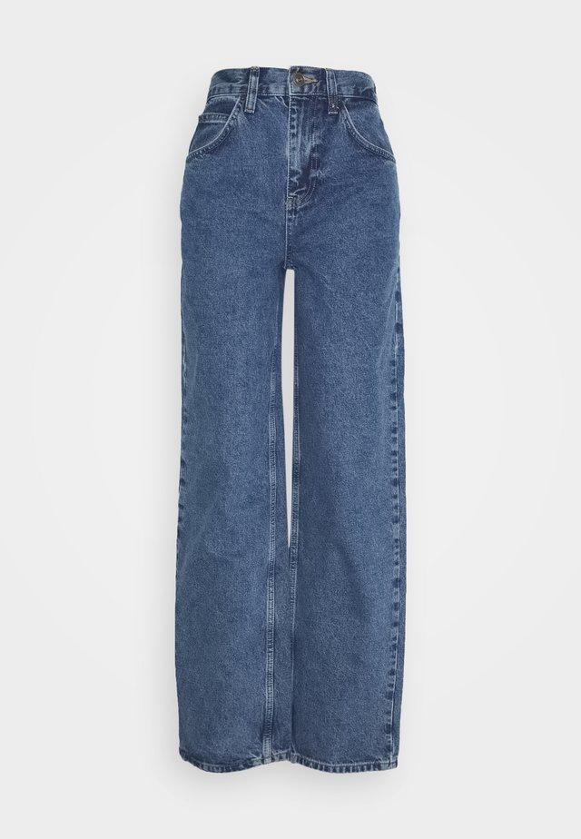 MODERN BOYFRIEND - Jeans relaxed fit - blue denim