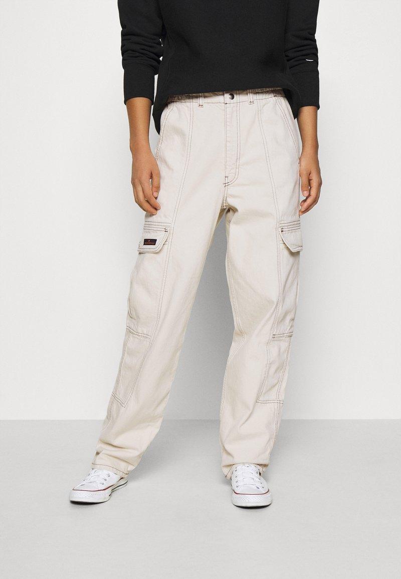 BDG Urban Outfitters - BLAINE SKATE - Cargobukse - ecru