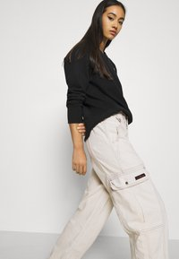BDG Urban Outfitters - BLAINE SKATE - Cargobukse - ecru - 3