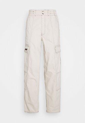 BLAINE SKATE - Cargo trousers - ecru