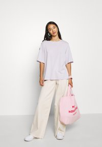 BDG Urban Outfitters - CORSET  - Flared Jeans - ecru - 1