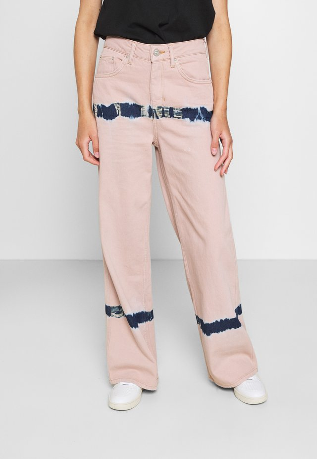 PUDDLE  - Jeans relaxed fit - pink tie dye
