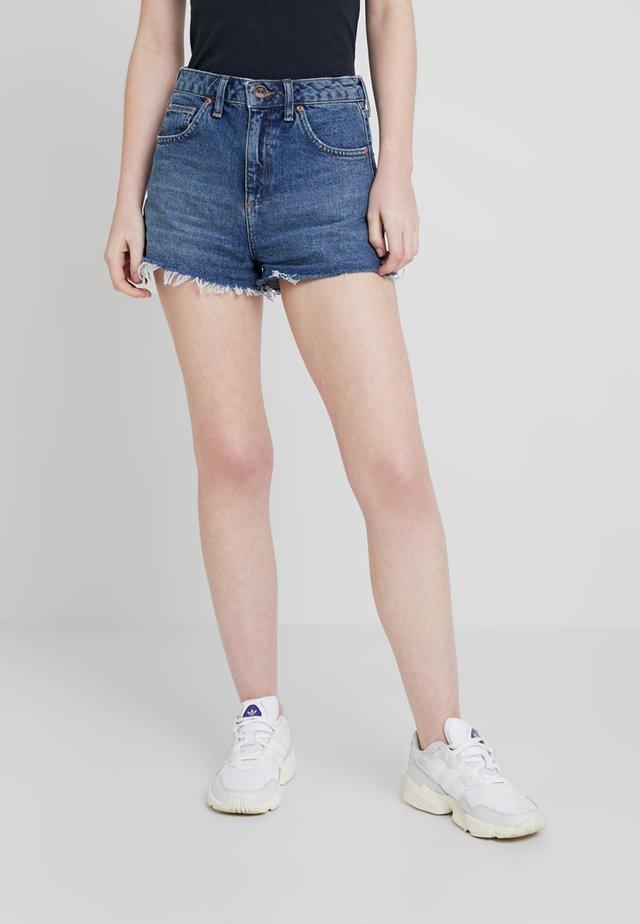 SHORT - Short en jean - dark blue denim
