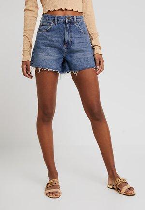 MOM - Shorts di jeans - rinsed denim
