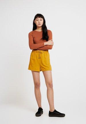 PAPERBAG - Shorts - sun yellow