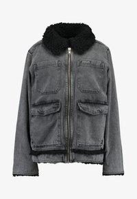 BDG Urban Outfitters - SHERPA LINED UTILITY COAT - Džínová bunda - black - 5