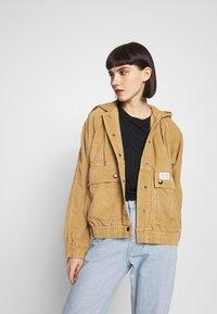 BDG Urban Outfitters - ROWEN JACKET - Tunn jacka - sand - 0