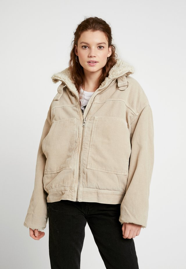 BORG UTILITY JACKET - Winter jacket - ivory