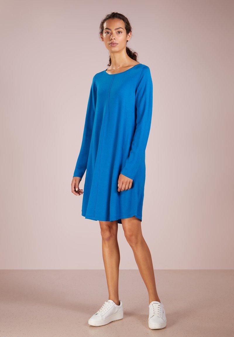 Repeat - Abito in maglia - electric blue