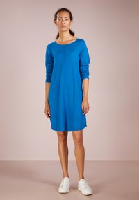 Repeat - Abito in maglia - electric blue - 1